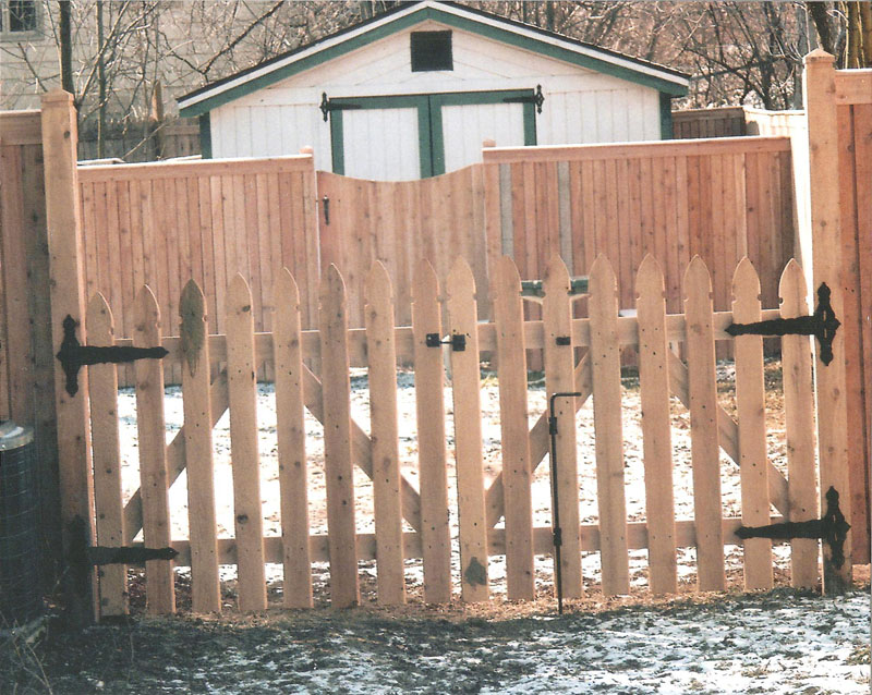 we install fence gates in the milwaukee area including milwaukee wauwatosa brookfield shorewood glendale menomonee falls mequon and cedarburg